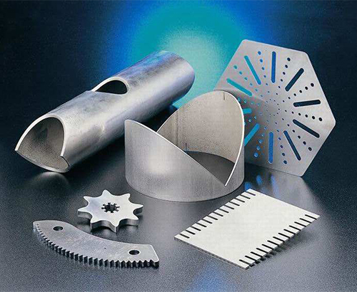 Laser cutting machine cuts stainless steel